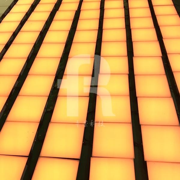 LED方形地砖灯广泛应用于很多地方