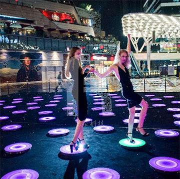 led地砖灯在舞台地面成功使用